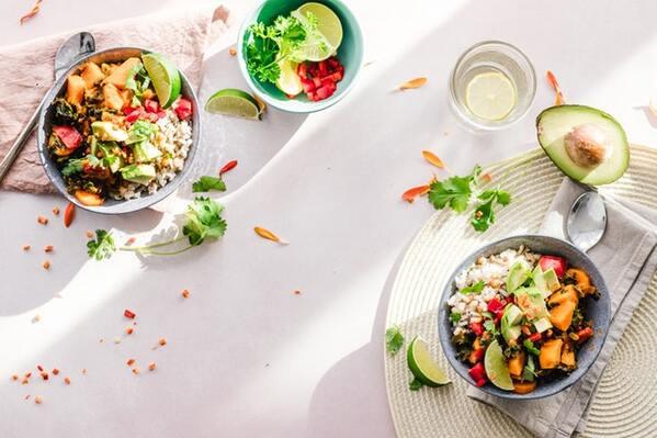 vegetable-salad-in-bowls