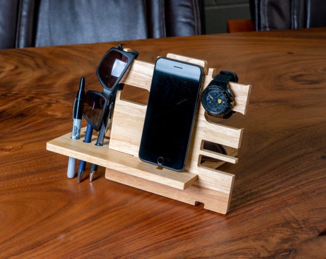makerflocrafts Wooden Docking Station Review