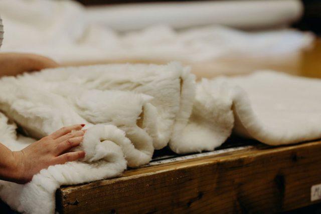 holy lamb organics nursing pillow review